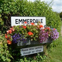 York, Skipton Market & Emmerdale Village Tour
