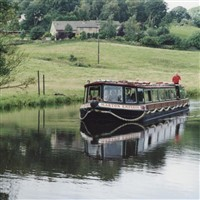 Skipton Mkt & Foulridge Canal Cruise & Cream Tea